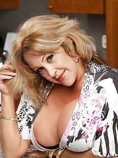 female from Stonewall, North Carolina